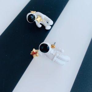 Earrings of astronauts